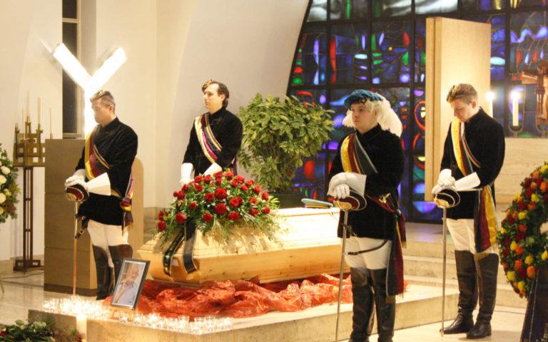 Eventbestattung - Trauerfeier mit Aufbahrung und Mahnwache